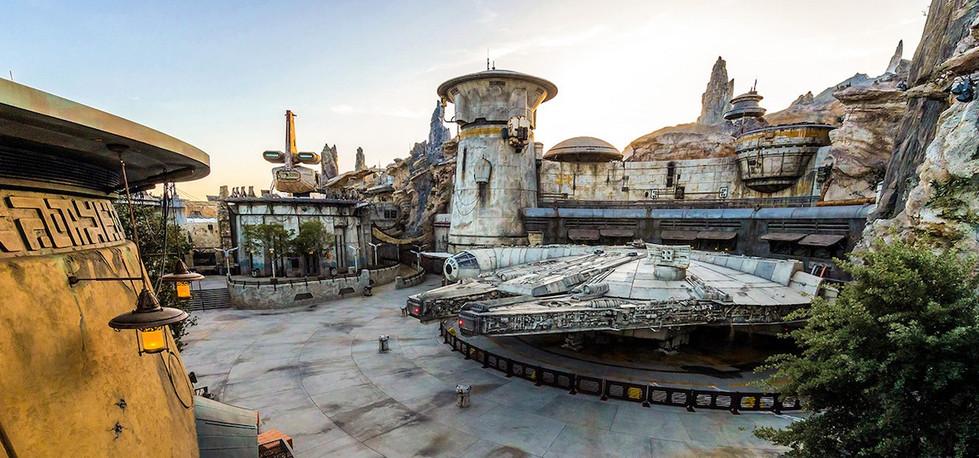 Star Wars Galaxy's Edge | Disneyland Resort