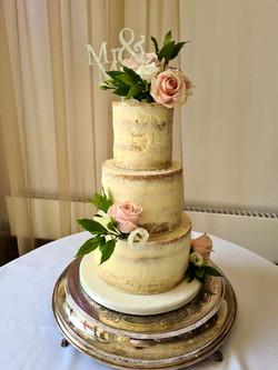Simply Irresistble Wedding Cake 2