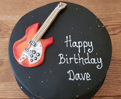 Simply irresistible Birthday Cake 001.jp