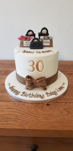 Simply irresistible Birthday Cake 003.jp