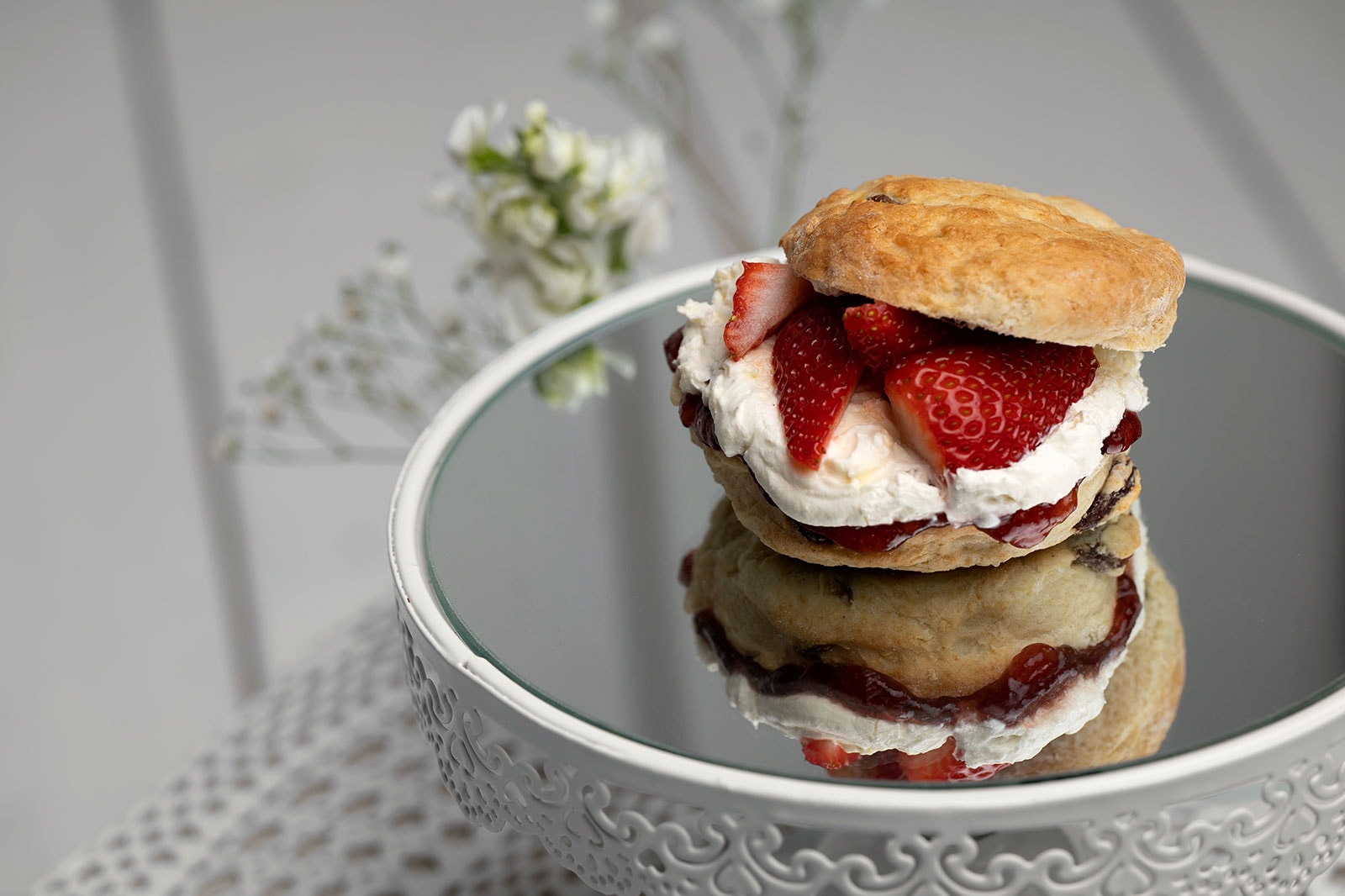 Simply-Irresistble-Mothers-Day-Scone