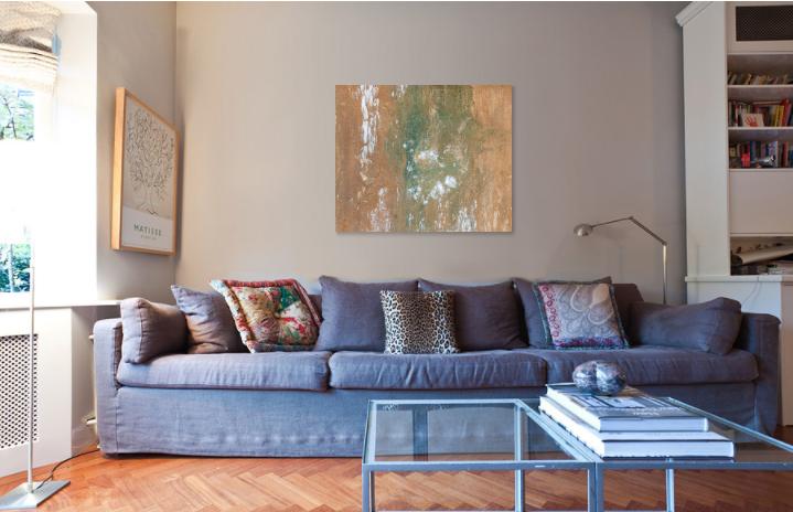 Chegando_em_Portimão_(Arriving_in_Portimão)_oh_my_rendering_blue_couch