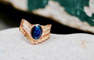 Julie, « Saphir, diamants et...»