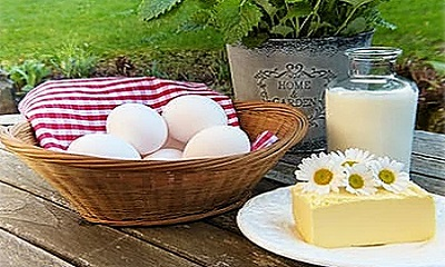 Nutritional eggs and goat cheese