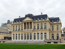 Historical Facts about the Wealthiest family in the world. The Rothschild Family