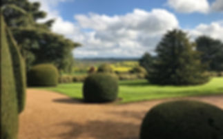 The Rothschilds Ascott House gardens.jpg