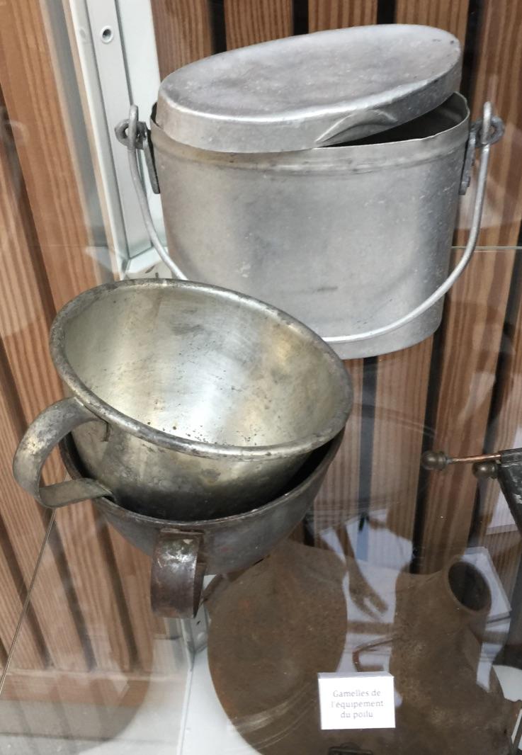 Gamelles et tasses