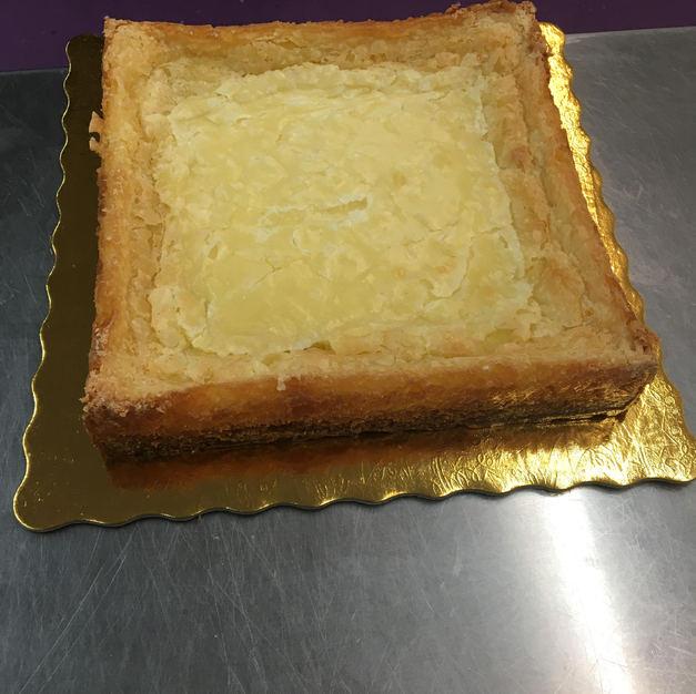 """8"""" Vanilla Gooey Butter Cake"""
