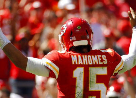 Is it worth reaching for Patrick Mahomes?