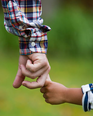 Child-holding-an-adult-hand-481504397_29