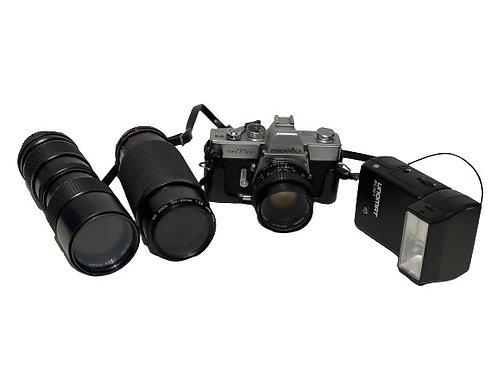 Minolta SRT 101, 2 Lenses and a Flash