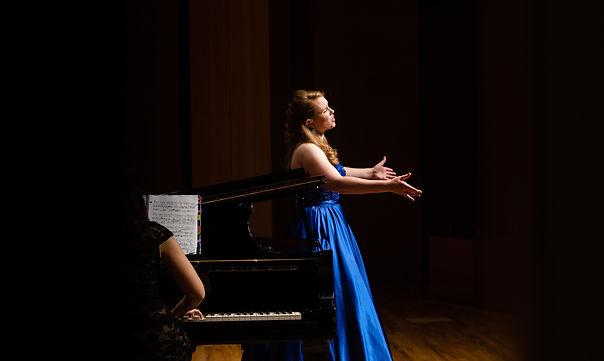 Erin Alcorn  soprano, opera singer, classical vocalist, voice teacher, collaboartive artist, singing voice lessons, Philadelphia