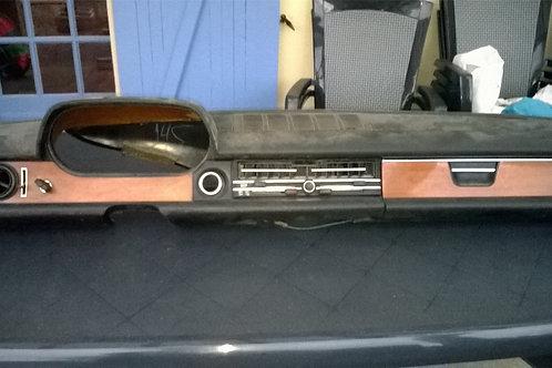 Tableau de bord Mercedes type 114-115