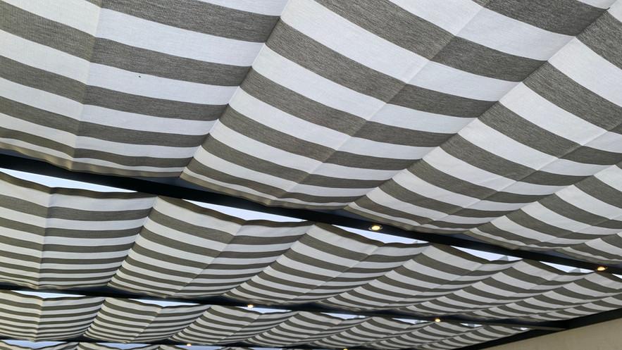 Seilspannmarkise Blockstreifen Hell Grau / Weiß