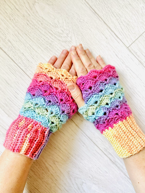 Pretty shell rainbow fingerless mittens