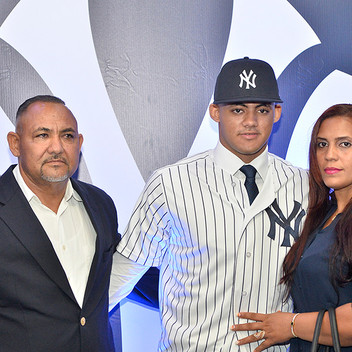 Yankees sign #1 international prospect, Jasson Dominguez