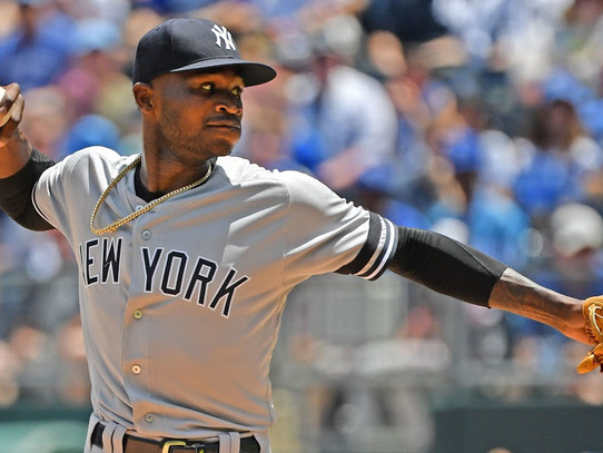 Yankees' rally falls short as Royals walk off in 10