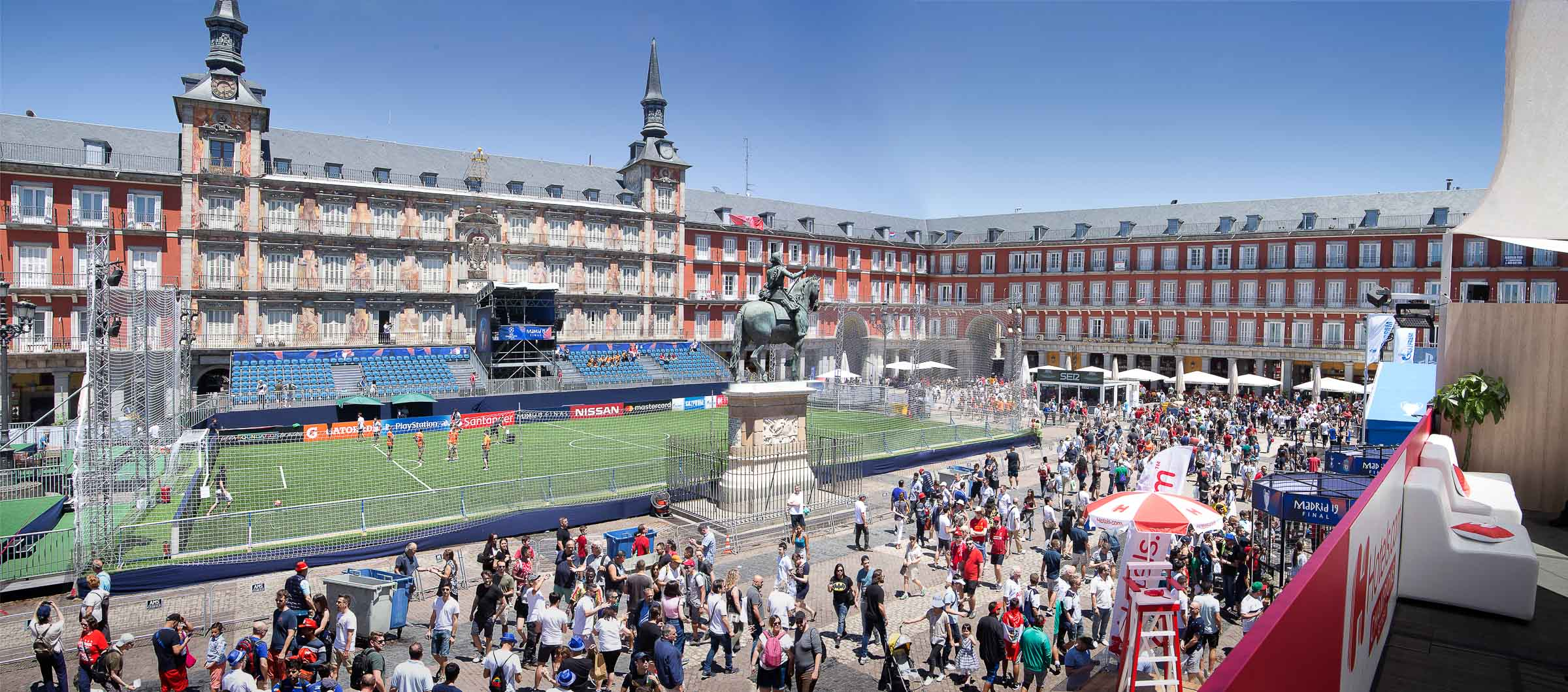 panoramic photographer madrid plaza mayor uefa