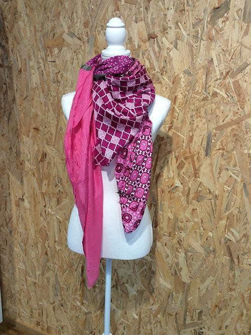 """Schal """"Pretty in pink"""" von Ahmaddy"""