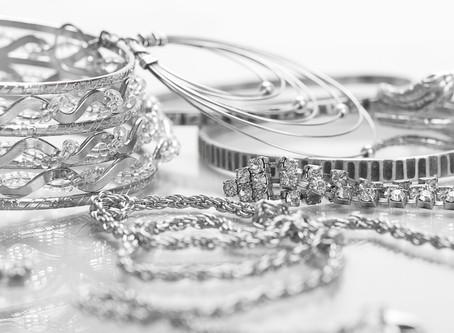 Silberschmuck reinigen