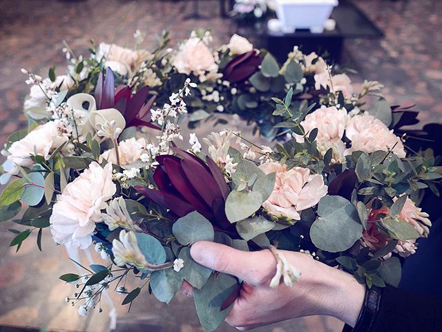 #funeral #flower #flowersofig #flowerstagram #flowersoftheday #carnation #ginestra #eucalyptus #anig
