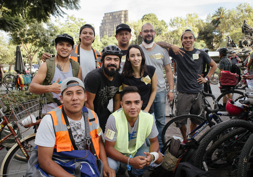 Grupo de apoyo en bicicleta de la coloni
