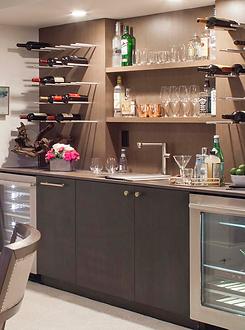 Top Shelf Bar.png