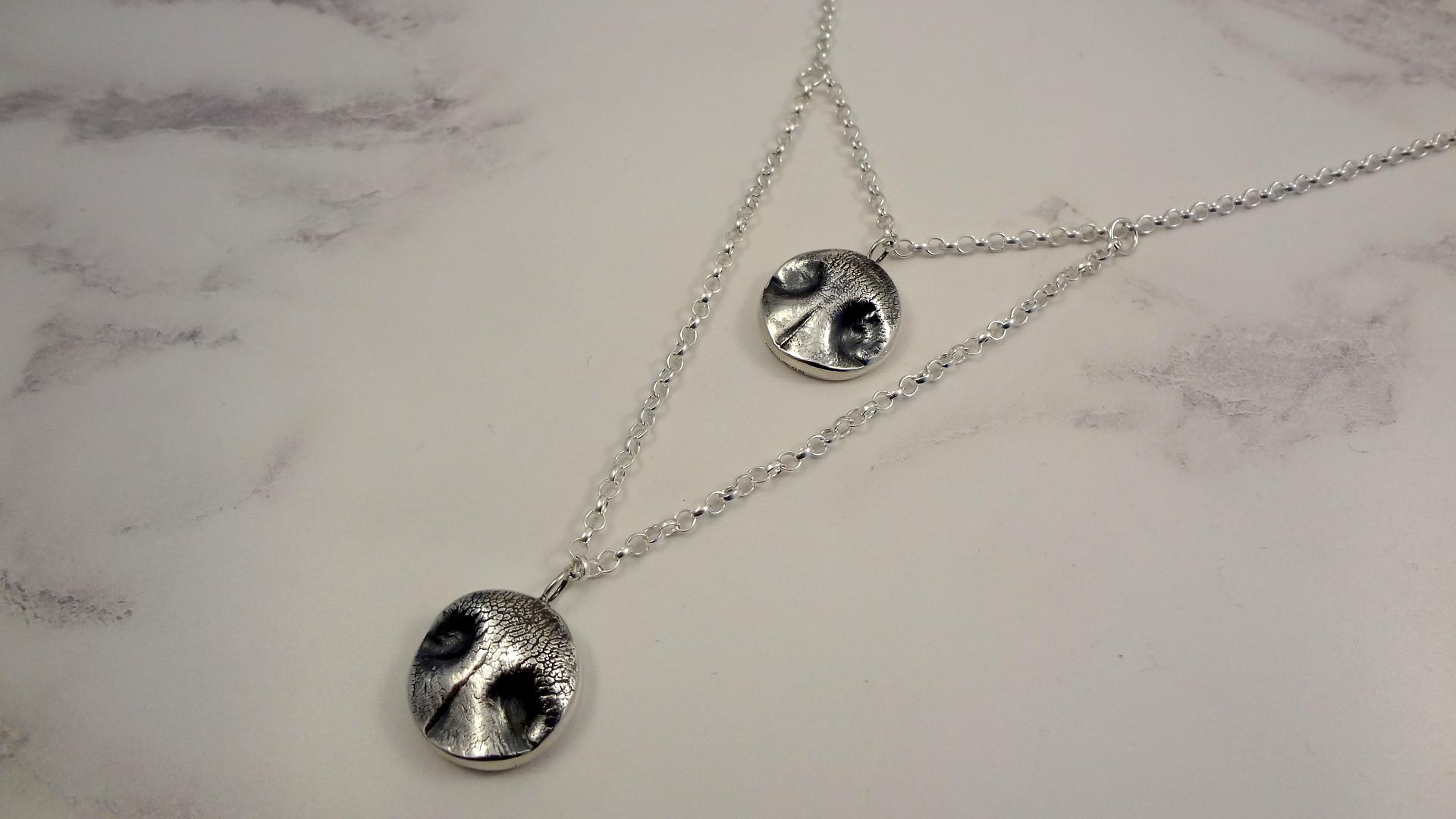 Pet Nose double pendant necklace set