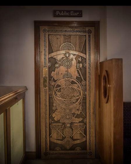 game-of-throne-door-7.jpg