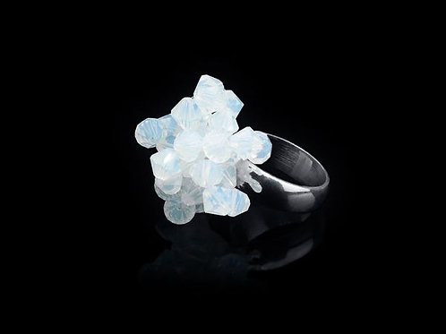 FIRST FLOWERS RING - WHITE OPAL