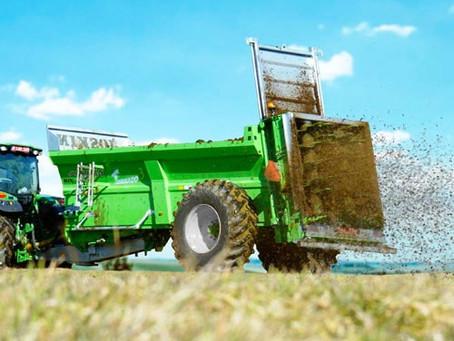 Uso de dejetos sólidos na produção de grãos e pastagem.
