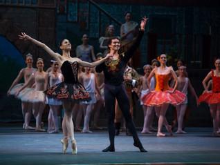 Bailarinos internacionais em Curitiba para o espetáculo de 30 anos do Petit Ballet