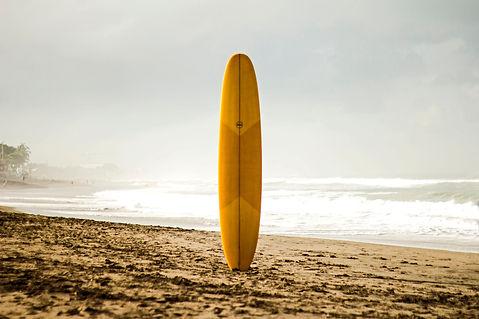 surfboard-at-the-beach-dharma