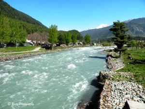 Lidder River flowing