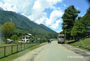 Roads to Aru Valley