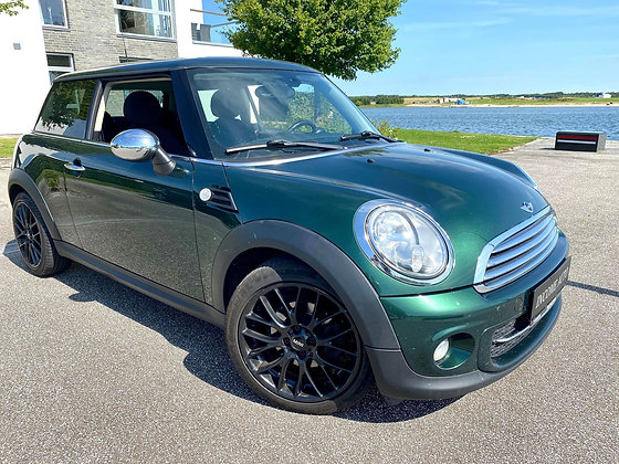 Mini Cooper 1,6D - ROYAL BRITISH GREEN