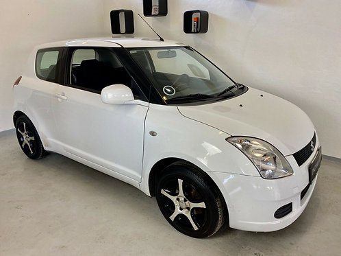 Suzuki Swift 1,3 GL 3d AUT.