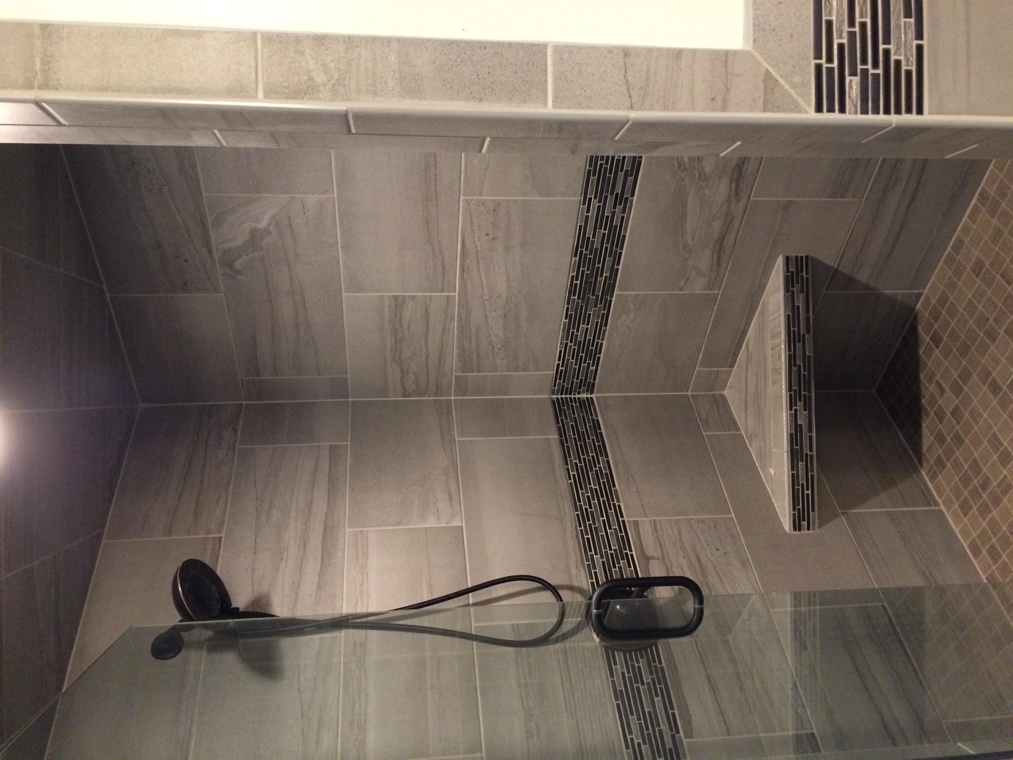 shower172.JG