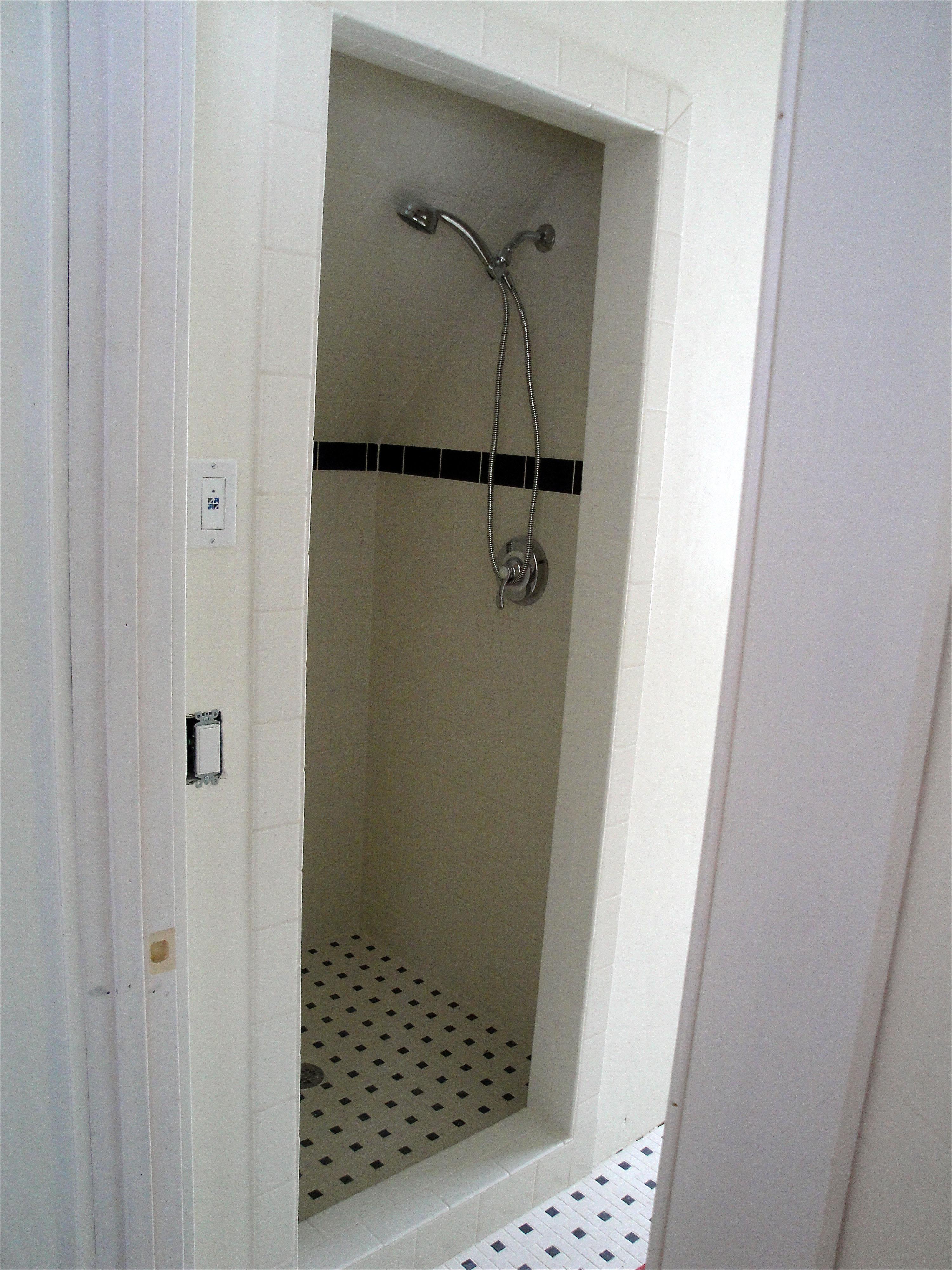 shower040.jpg