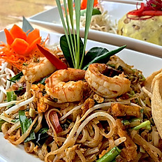 Momo's Tom Yum Pad Thai