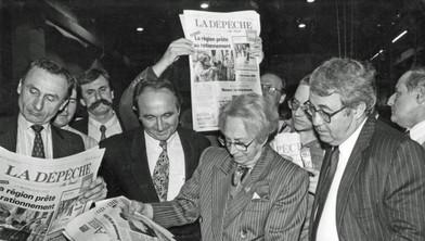 Evelyne Baylet avec des collaborateurs