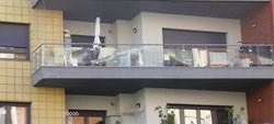Condomínio não decide rede de proteção anti-queda na varanda.