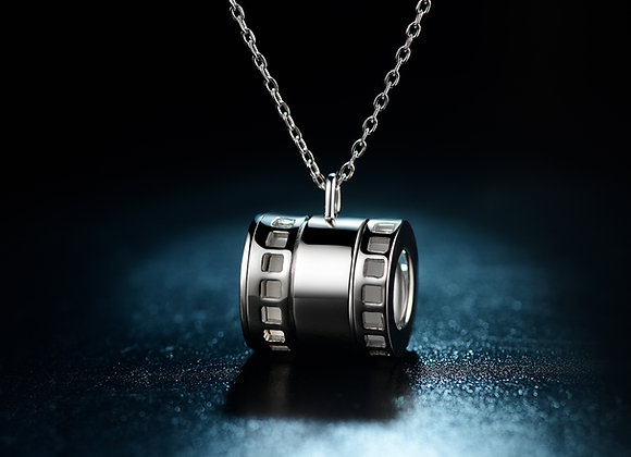 Scope projecting pendant-Silver