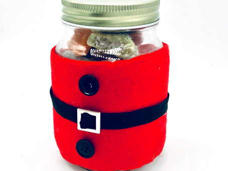 How to make a Santa sweet jar
