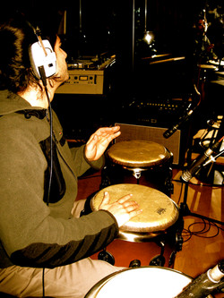 Putting down some congas for Wara