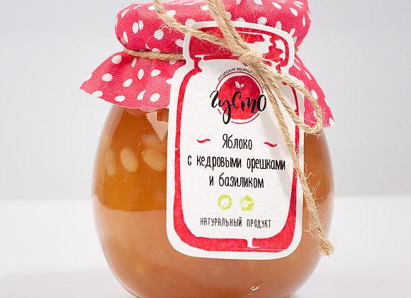 Яблочное варенье с базиликом и кедровыми орешками