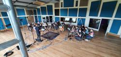 Orchestra aus Nordrhein-Westfalen bei der Aufnahme und Recording im Saal der Klangschmiede.