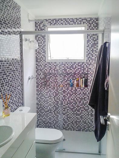 decoração de banheiro roxo e lilas
