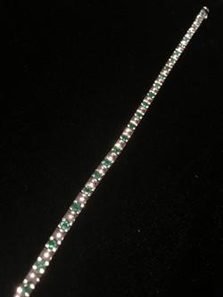 Emerald White Gold Bracelet