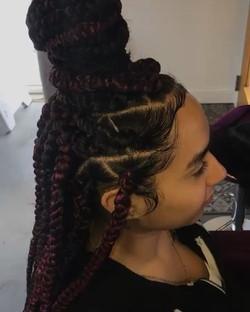 Jumbo triangular part box braids 💜 🖤